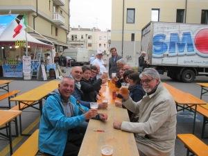 ...der mich zum Bier mit seinem Stadtparlament einlaedt